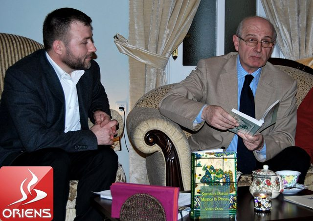 Viorel-Olaru-si-domnul-Aurelian-Scrima-directorul-Editurii-Herald-www.oriens.ro_